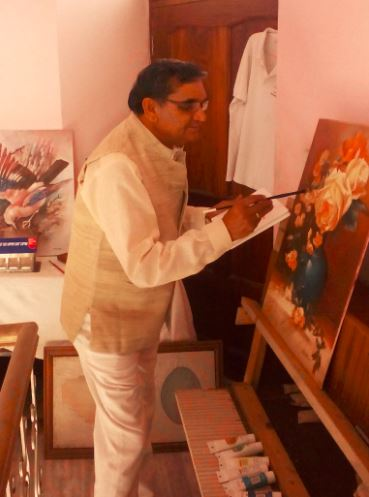 V.P.Verma in studio, artist is painting, Kurukshetra art, V.P.Verma painting